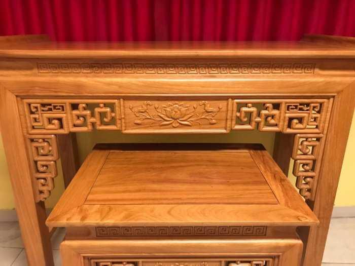 Bộ cặp bàn thờ và bàn cúng gõ đỏ triện hoa sen 1,53m SD10211