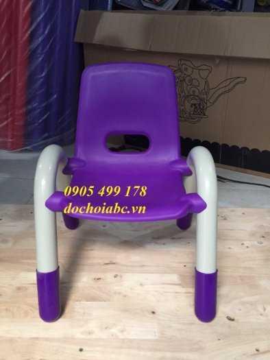 Ghế nhựa mầm non có tay vịn cho bé giá rẻ - chất lượng tại Đà Nẵng6