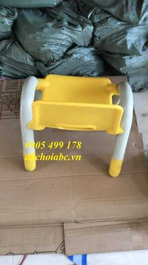 Ghế nhựa mầm non có tay vịn cho bé giá rẻ - chất lượng tại Đà Nẵng5