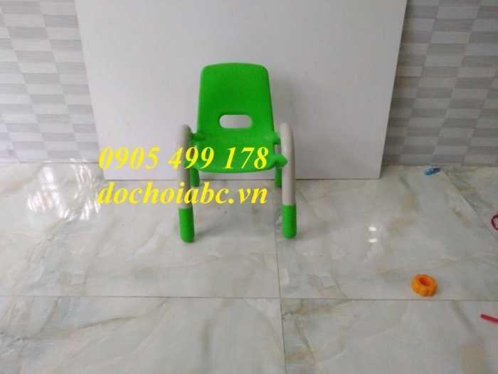 Ghế nhựa mầm non có tay vịn cho bé giá rẻ - chất lượng tại Đà Nẵng4