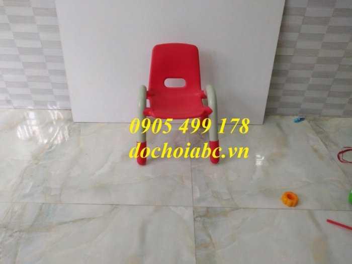 Ghế nhựa mầm non có tay vịn cho bé giá rẻ - chất lượng tại Đà Nẵng3