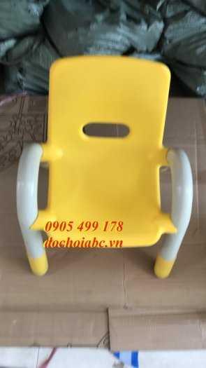 Ghế nhựa mầm non có tay vịn cho bé giá rẻ - chất lượng tại Đà Nẵng2