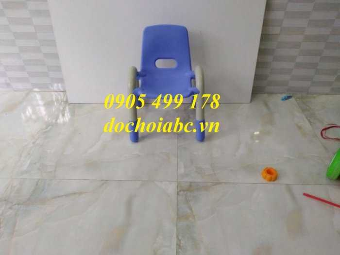 Ghế nhựa mầm non có tay vịn cho bé giá rẻ - chất lượng tại Đà Nẵng1