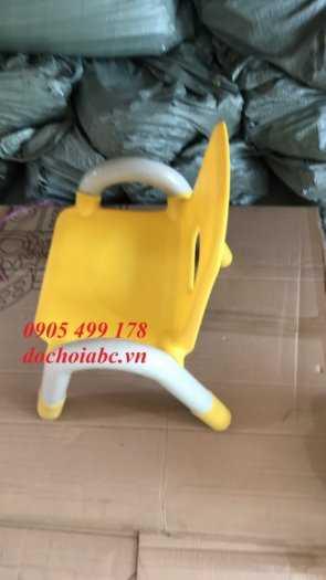 Ghế nhựa mầm non có tay vịn cho bé giá rẻ - chất lượng tại Đà Nẵng0
