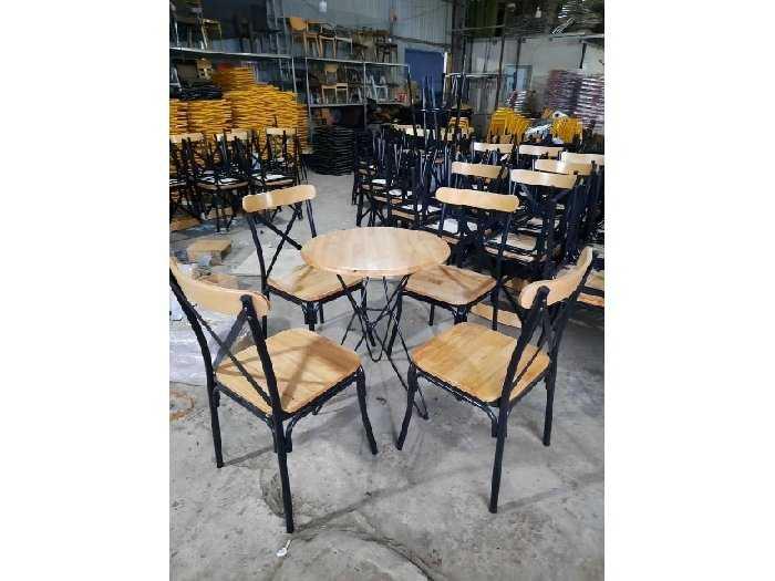 Bộ bàn ghé cafe mặt gỗ hoặc nệm giá rẻ