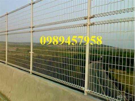 Sản xuất hàng rào lượn sóng, Hàng rào gập tam giác 2 đầu, Hàng rào mạ kẽm2