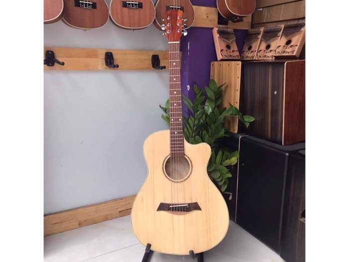 Guitar có Ty giá rẻ0