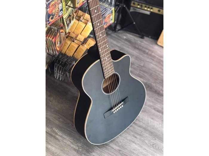 Guitar giá rẻ0