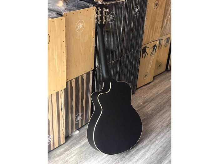 Guitar giá rẻ4