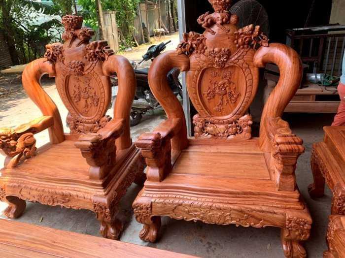 Bộ bàn ghế phòng khách nghê đỉnh tay 14 gỗ hương đá8