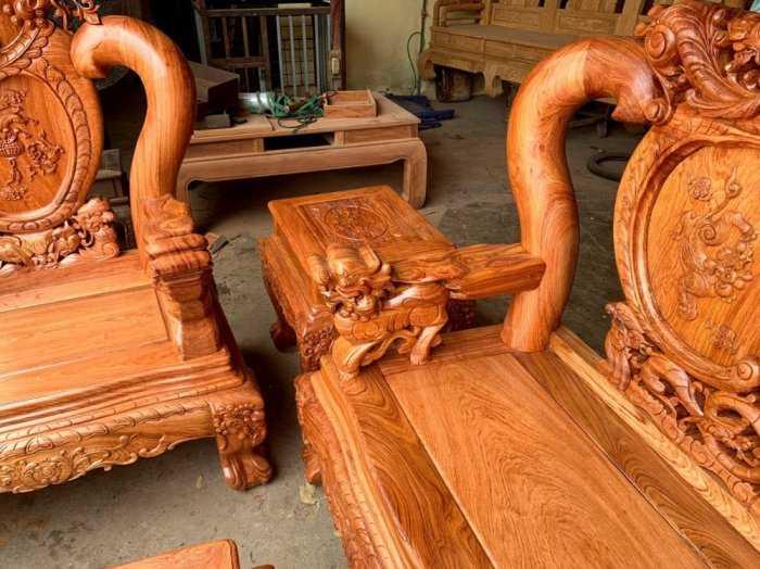 Bộ bàn ghế phòng khách nghê đỉnh tay 14 gỗ hương đá7