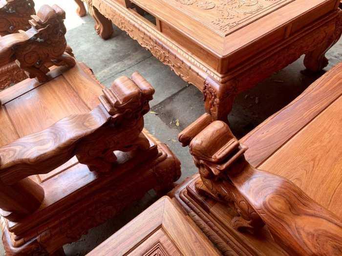 Bộ bàn ghế phòng khách nghê đỉnh tay 14 gỗ hương đá0