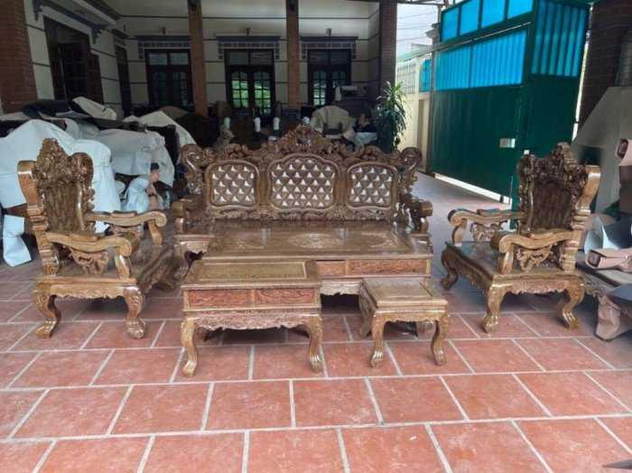 Bộ bàn ghế mẫu mới hoàng gia gỗ mun đuôi công5