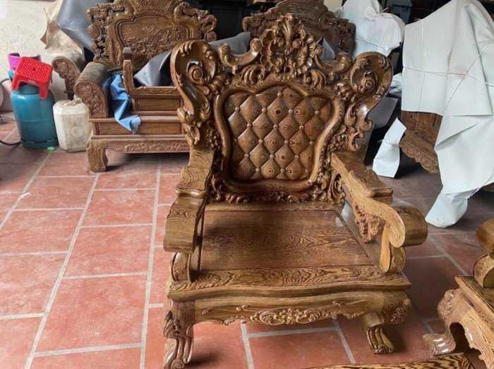 Bộ bàn ghế mẫu mới hoàng gia gỗ mun đuôi công1