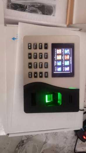 Máy bấm giờ công dấu vân tay và thẻ  RJ 20001