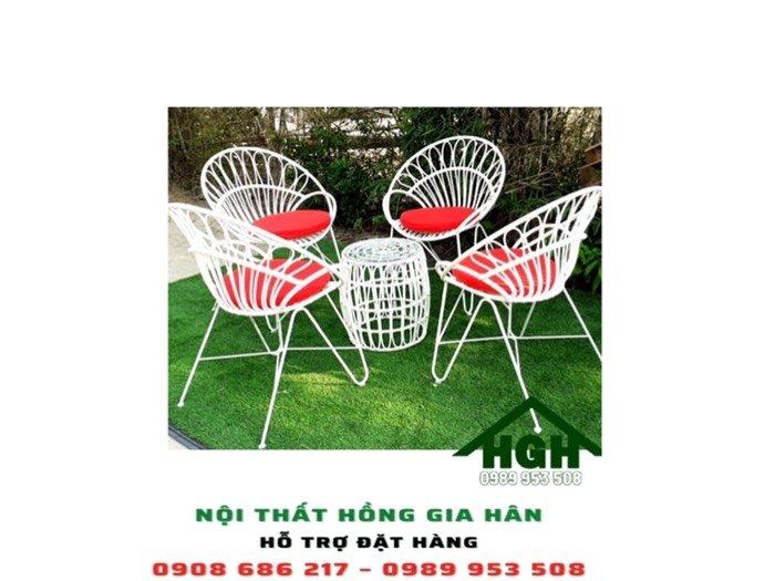 Bộ bàn ghế decor sân vườn nhựa giả mây Hồng Gia Hân0