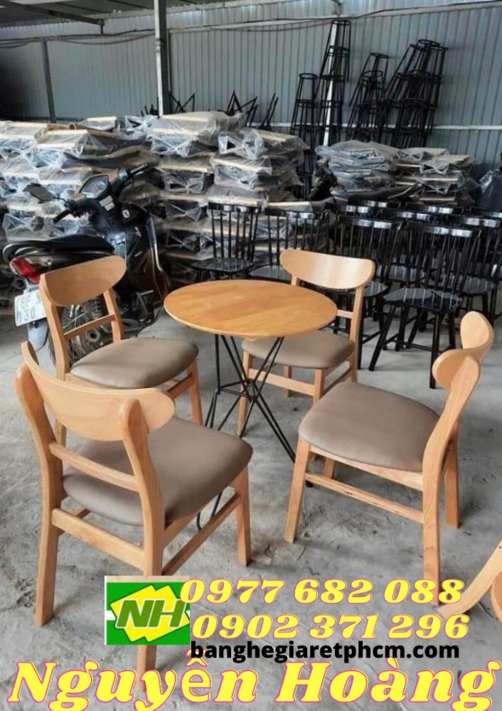 Ghế gỗ cao có nệm bộ 4 ghế 1 bàn chân sắt  mặt gỗ xếp gọn Nội Thất Nguyễn Hoàng0