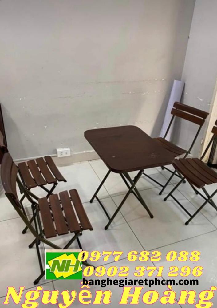 Ghế xếp gỗ  6 mảnh 4 chiếc bàn gỗ chân sắt bộ 5 món Nội Thất Nguyễn Hoàng0