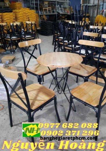 Ghế gỗ chân sắt sẵn bàn gỗ chân sắt0