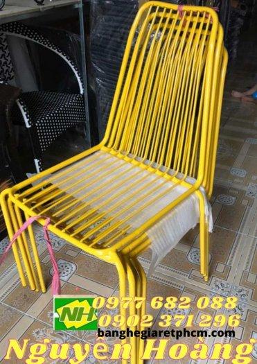 Ghế sắt sơn tĩnh điện ngoài trời màu vàng0