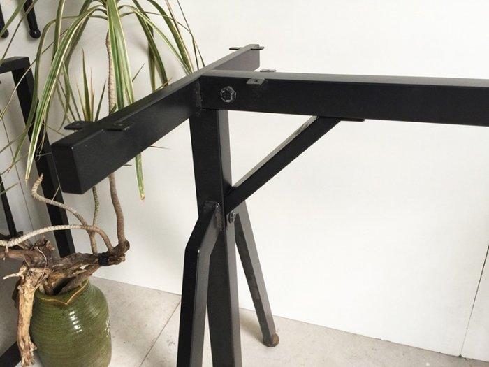 Chân sắt sơn tĩnh điện- Lắp Ráp LR-01