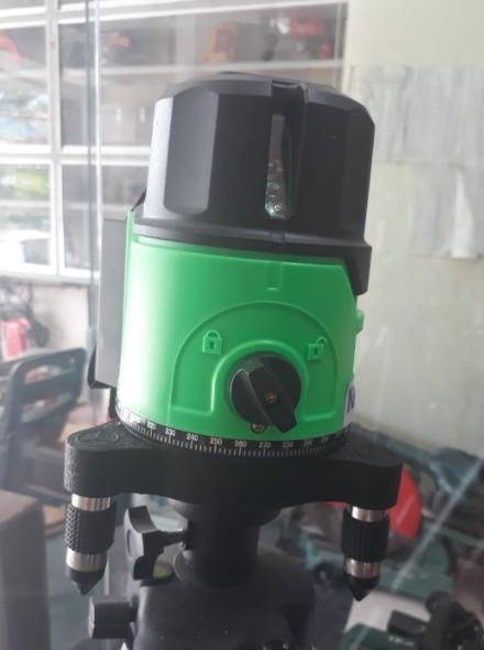 Máy cân bằng laser 5 tia xanh0