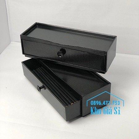 Hộp đựng đũa muỗng nhà hàng quán ăn - Hộp đựng đũa bằng nhựa màu đen, màu nâu cánh dán - HCM35