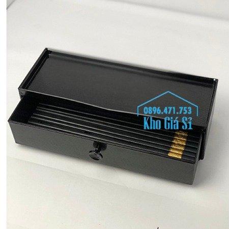 Hộp đựng đũa muỗng nhà hàng quán ăn - Hộp đựng đũa bằng nhựa màu đen, màu nâu cánh dán - HCM29