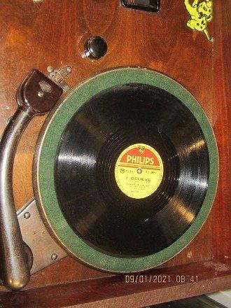 Chiếc đài quay đĩa điện tử  Telavox rất hiếm – có ảnh thật9