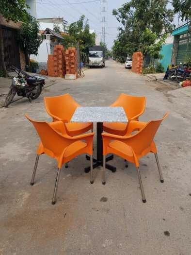 Bàn ghế cafe nhựa đúc mẫu mới chân inox phi 272