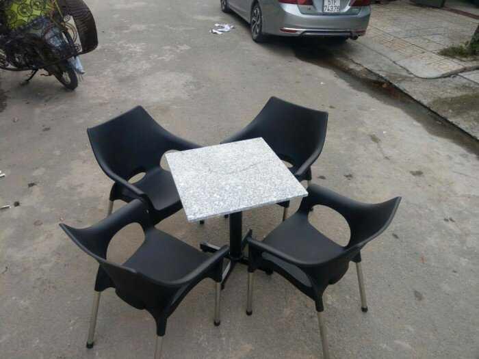 Thanh lý gấp 500 ghế cafe nhựa đúc mẫu mới như hình1