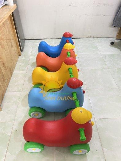 Xe chòi chân nhiều màu sắc dành cho trẻ em mầm non8
