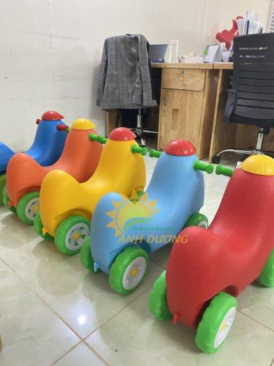 Xe chòi chân nhiều màu sắc dành cho trẻ em mầm non7