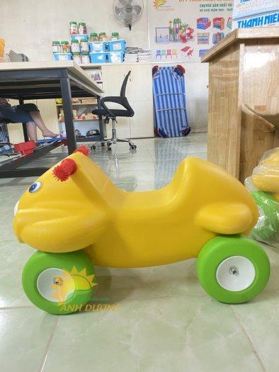 Xe chòi chân nhiều màu sắc dành cho trẻ em mầm non2
