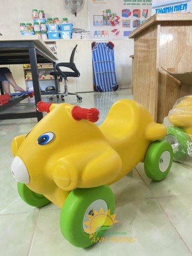 Xe chòi chân nhiều màu sắc dành cho trẻ em mầm non1