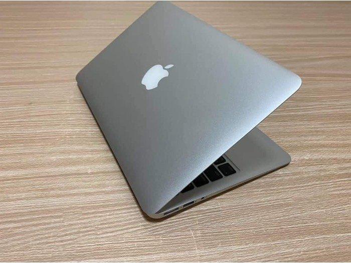 Macbook air 2015 core i51