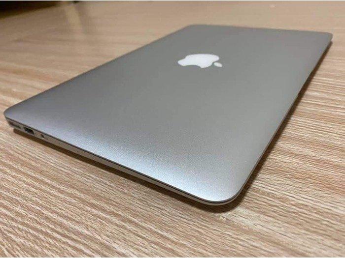 Macbook air 2015 core i52