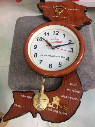Đồng hồ treo tường bản đồ Việt Nam1