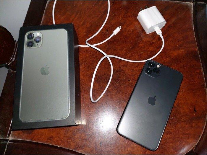 Bán iPhone 11 promax 64gb đen quốc tế2