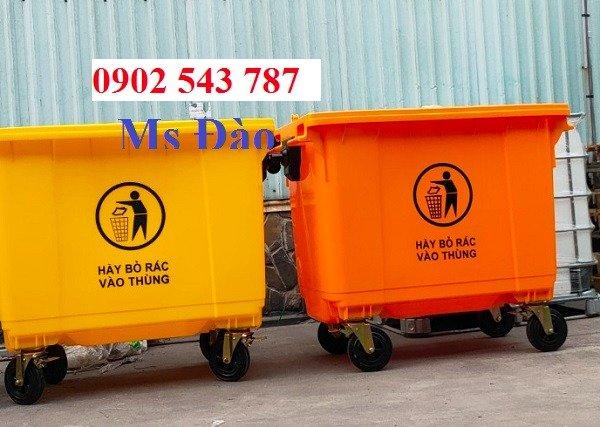 Xe đảy rác công cộng 660 lít nhựa HDPE3