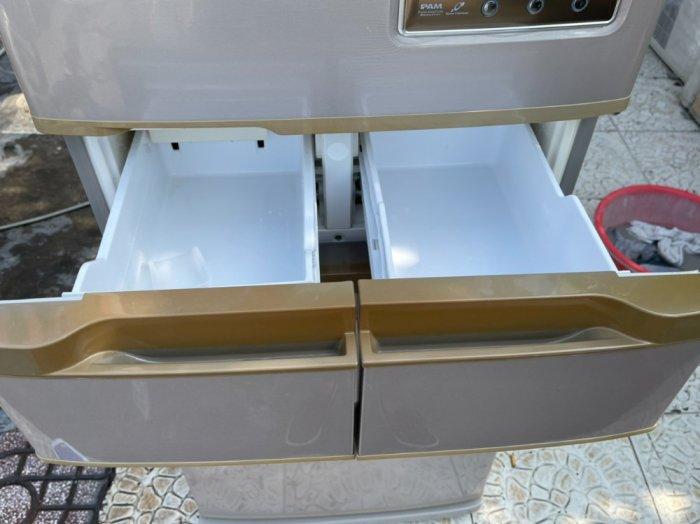 Tủ lạnh Hitachi 5 cánh 415 L, tiết kiệm điện, R600a, màu nâu, còn mới >90%3