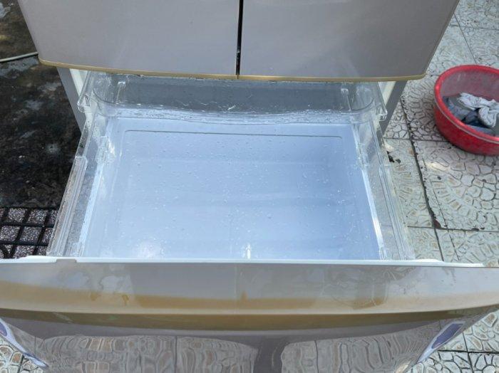 Tủ lạnh Hitachi 5 cánh 415 L, tiết kiệm điện, R600a, màu nâu, còn mới >90%2