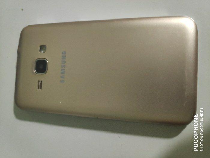 Samsung J1 2016 sim có Dùng 4G1