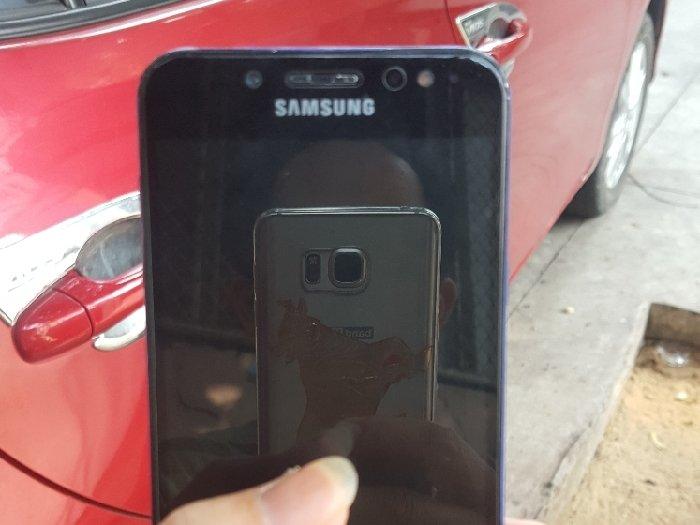 Samsung galaxy j7+ ram4,32gb2