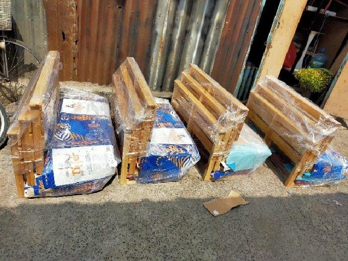 Ghế gỗ ngồi bệt bọc nệm giá rẻ3
