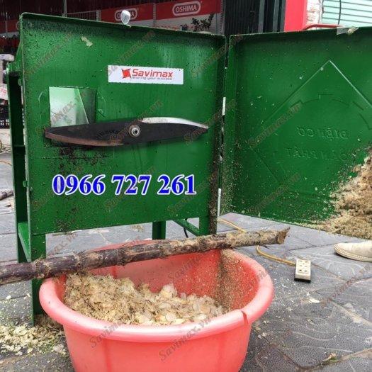 Savimax cung cấp máy băm cỏ voi, cà leo cho trâu bò dê2