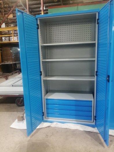 Tủ chứa dụng cụ vật tư có vách treo dụng cụ2
