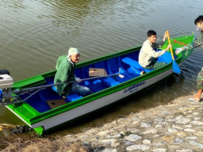 Giá bán thuyền Composite, thuyền nhựa Composite, thuyền câu Composite giá rẻ2