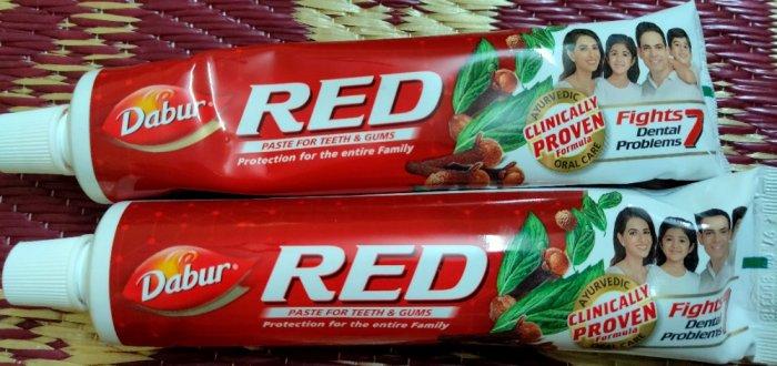 Kem đánh răng thảo dược DABUR RED0