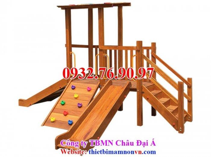 Cầu trượt liên hoàn thể chất bằng gỗ cho trẻ em mầm non.1